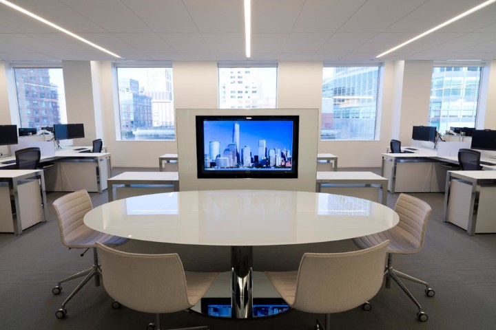 T12157 - Unifor Moodway Meeting Table