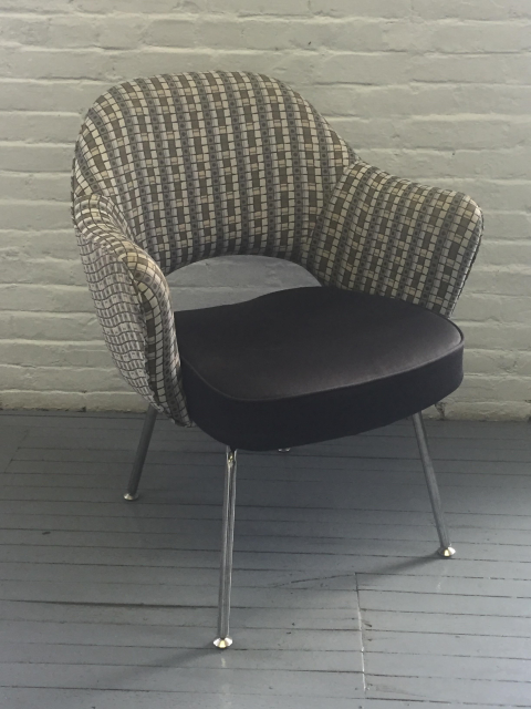 C61295C   Knoll Saarinen Chairs