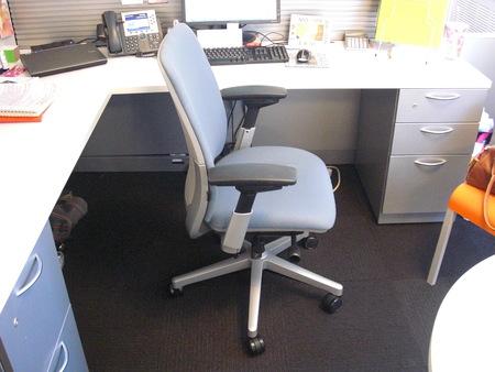 C2976   Steelcase Amia Desk Chairs