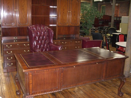 Traditional Councill Desk Set Conklin, Traditional Office Furniture Sets