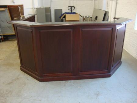 R3076   Traditional Reception Desk