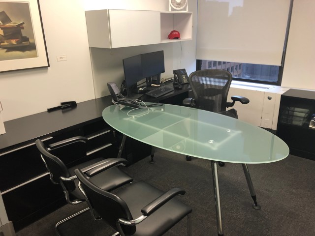 D12137 - Executive Steelcase Desk Sets