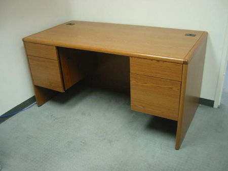 D293 - 30 x 60 Double Pedestal Desks