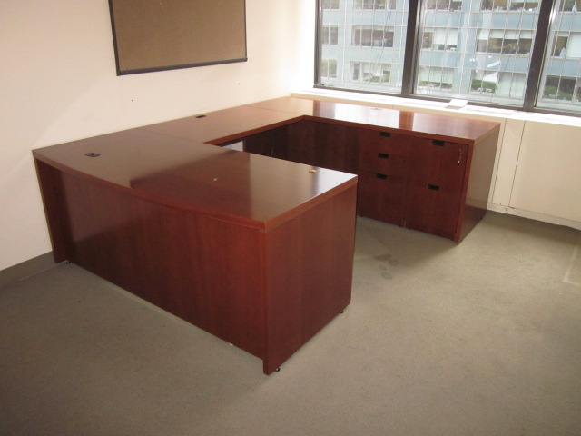 D12049C   Steelcase U Shape Desk Sets