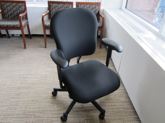 C61484 - Knoll RPM Chairs