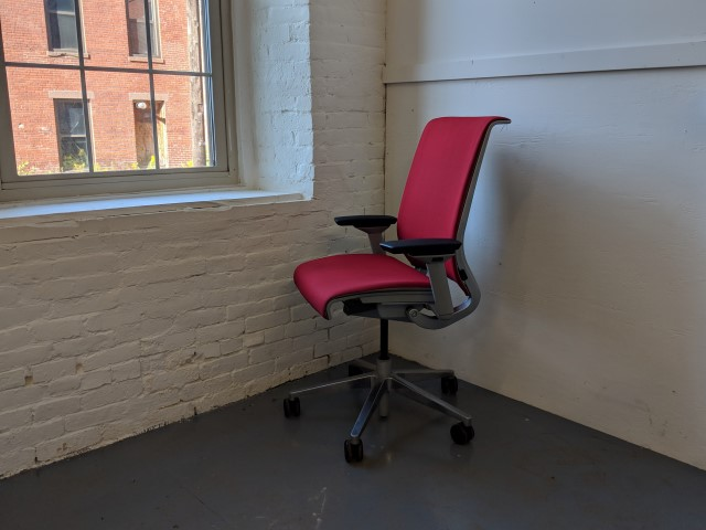 C61339C - Steelcase Think Chairs