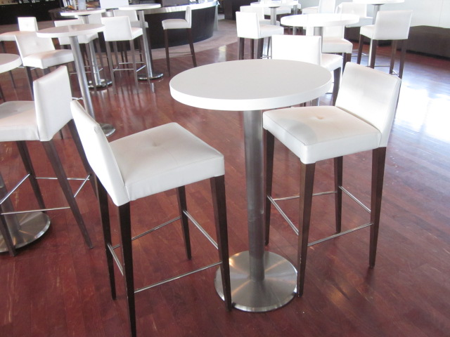 CD6030 - Barstools and High Top Table Set