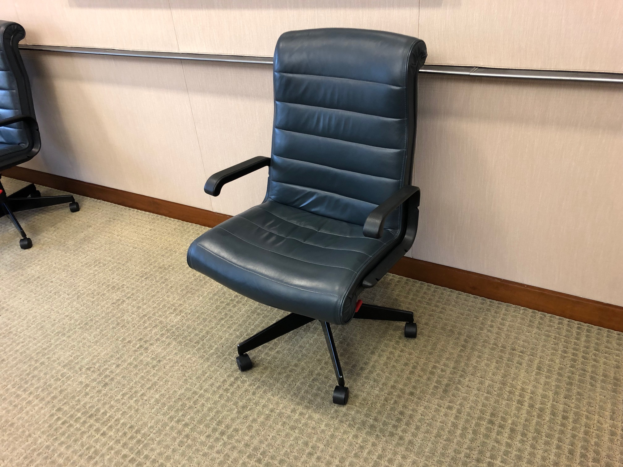 C61393 - Leather Knoll Sapper Conference Chairs