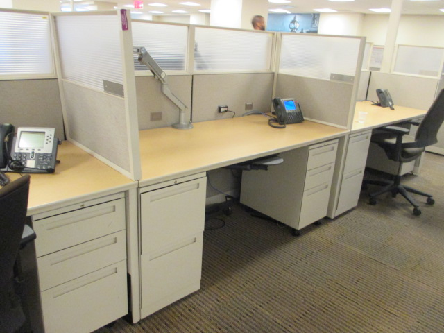 W6117 - Allsteel Workstations