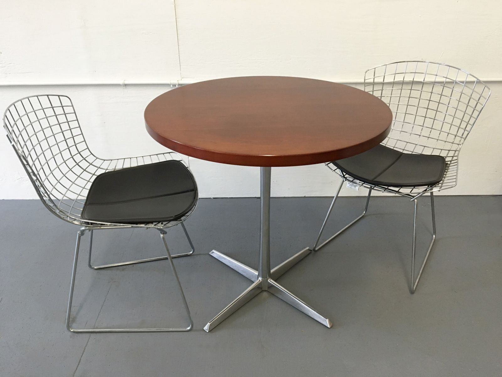 30 Round Cherry Cafe Table T9553c Conklin Office