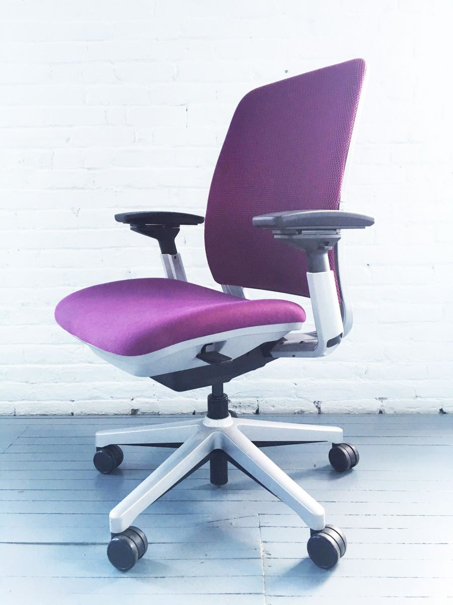 steelcase amia 3d task chair - purple | c61167c - conklin office