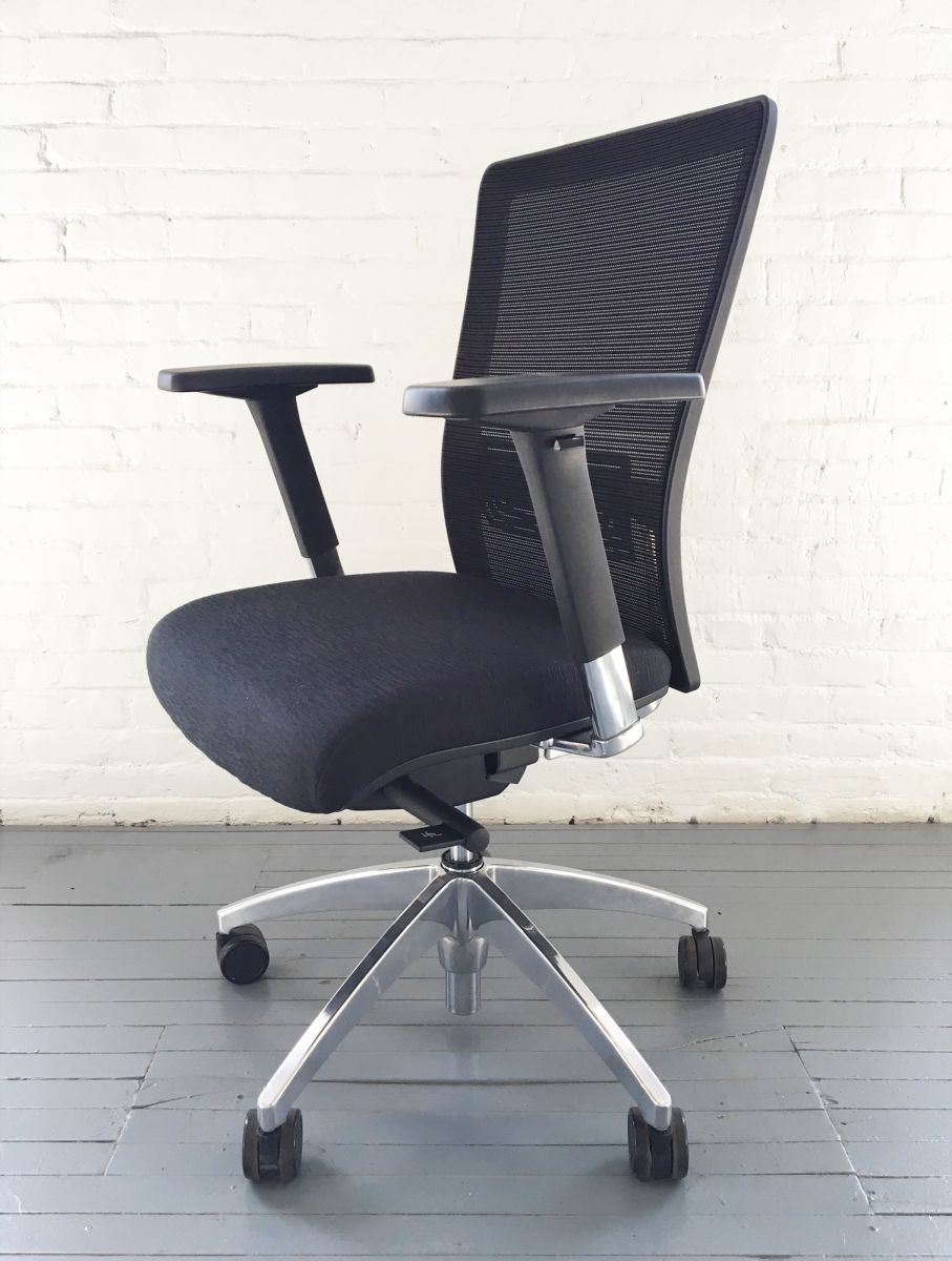 Xcalibr Task Chair