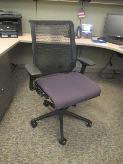 C61490 - Steelcase Think Chair