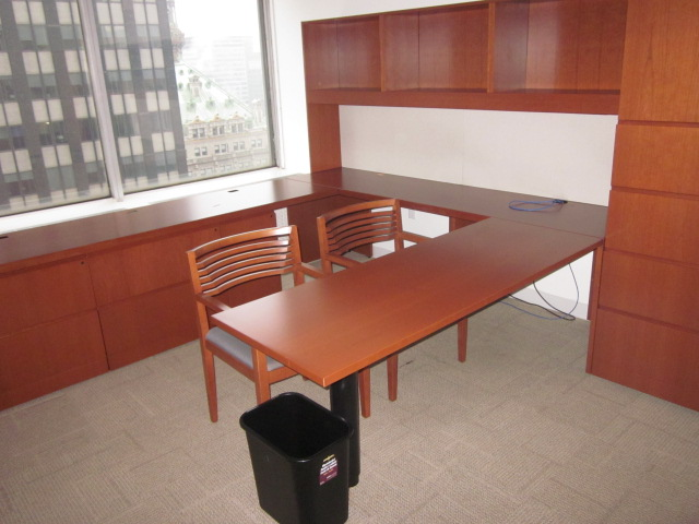 D6030   Knoll Reff Office Desks