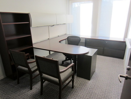 D3789C - Steelcase Desks