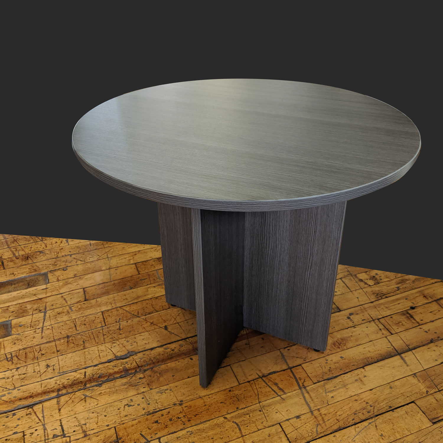 Skyline 36 Round Table T12105