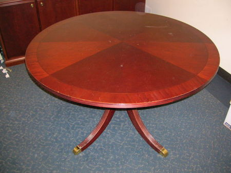Bernhardt Round Table (T336)