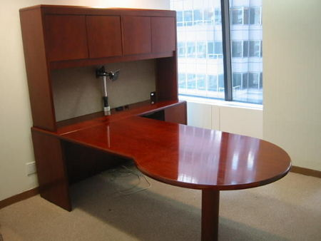 L-Shape Desk with Hutch (D577)
