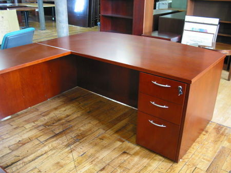 Bowfront U-Shape Private Office (D853)