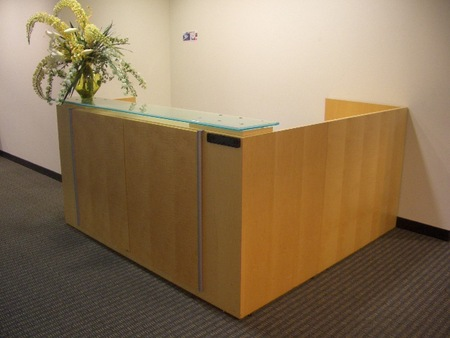 Geiger Reception Desk (R1089)