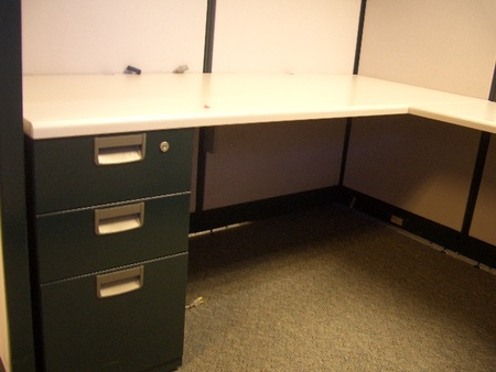 Pedestals included with used cubicles